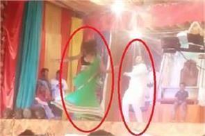 bjp leader doing rasleela in ramlila video goes viral on social media