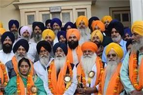 1303 batch of sikh devotees leaves for pak
