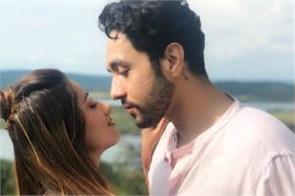 kangana ranaut ex boyfriend adhyayan suman romantic photo with maera mishra