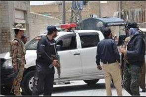 gunmen attack police vehicle in pak one killed