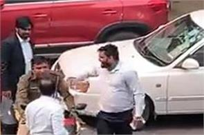 lawyers beat policemen
