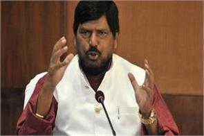 shiv sena should not  stubbornly  demand chief minister s post athawale