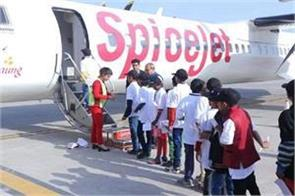 photograph of tape on spicejet broken window becomes viral