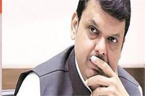 raut attack on fadnavis about maharashtra issue