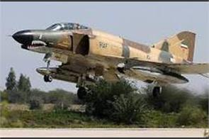 fighter jet crashes in nw iran pilot missing