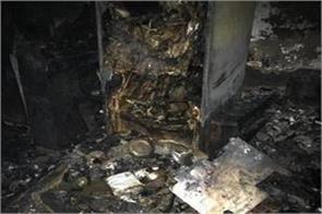 delhi fire in shalimar bagh house 3 women killed