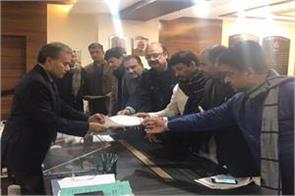 delhi bjp lodges fir against sisodia and mla amanatullah khan