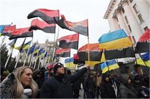 18 killed 124 injured in conflict in eastern ukraine report