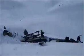 5 dead in plane crash in glacier in italy