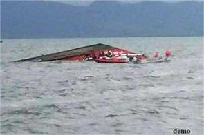 1 killed due to boat sinking in odisha 7 others missing
