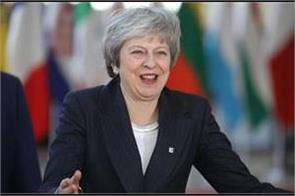 theresa may wins confidence vote brexit is still in crisis