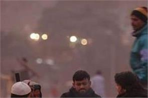temperature of delhi reached 6 degrees