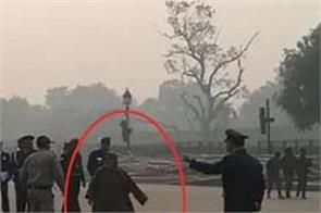 woman picked up from india gate for raising anti india slogans