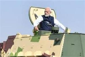 pm modi take ride on k9 vajra vehicle