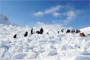 avalanche in j k death of one army man