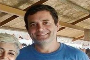 seafood and selfies for rahul gandhi during goa holiday