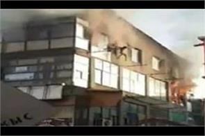 3 rescued from burning building in kandy