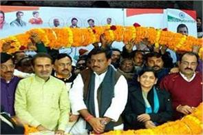 wife of former mp anand mohan joins congress