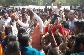 jamshedpur cm raghuvar das did dance on nagpri songs in his constituency