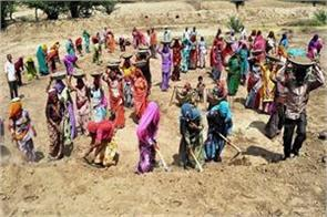 deficit of mnrega fund mps and social workers wrote letter to pm