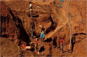 zimbabwe gold mining fears 60 people to die government