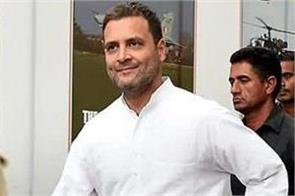rahul gandhi visits restaurant to eat dosa