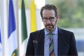 justin trudeau s top adviser resigns as  political meddling  scandal
