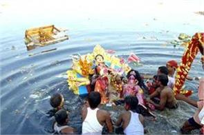 yamuna water becoming poisonous from murti visarjan