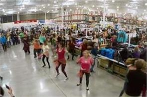 flash mob in california store on london thumakda song video viral