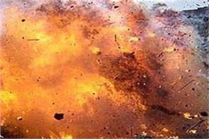 bomb blast in pakistan three injured