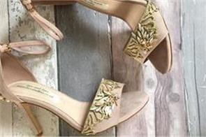 daughter finds dying mum s last message on wedding shoes