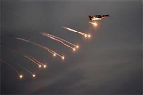 pak posted f 16 on border iaf demanded from modi govt for fighter aircraft