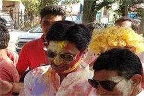 video viral of kumar vishwas in holi celebration