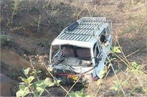 jamshedpur tata magic flutter uncontrolled 4 killed accident 15 injured