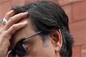shashi tharoor troll in social media for english