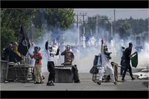 violence as man dies in police custody in srinagar