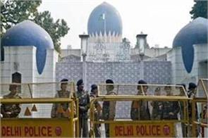 the hurriyat leader was arrested by the delhi police