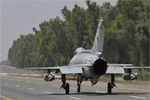 air force launches fighters on highway in pakistan