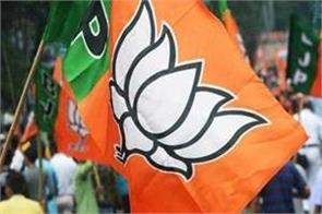 bjp candidate in west bengal attacked