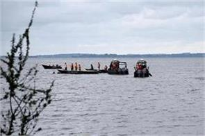 104 people killed in boat crash in congo