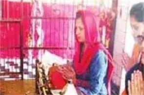 huge crowd of pilgrims visiting temples in hindu new year