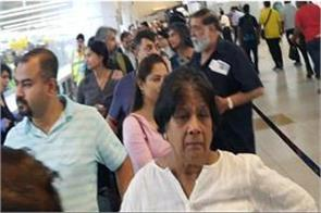 immigration server down at delhi airport