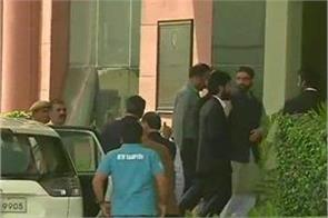 mirwaiz appear before nia in delhi
