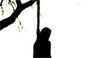 body of young man hanged in tree in dumka police involve investigation