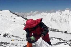 3 000 kg garbage collected from mount everest