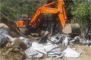 yamunotri highway remained closed due to the debris fall