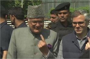 omar and farooq caste their vote