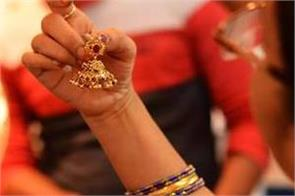 gold futures fall silver tumbles rs 100