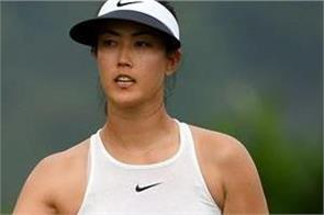 michelle wie forces break from golf after wrist injury