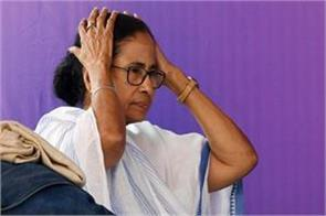 mamata writes letter to election commission against transfer of ips